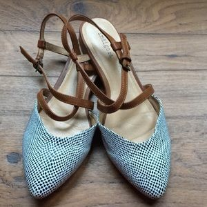 Indigo rd. Flat shoes. Size7.5M
